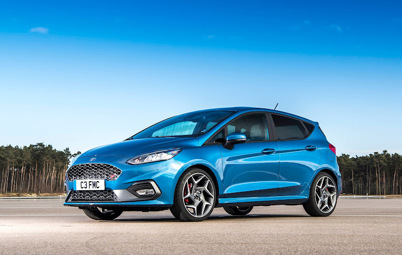 2017 - [Ford] Fiesta MkVII  - Page 14 FORD_2018_FIESTA_ST_Hero
