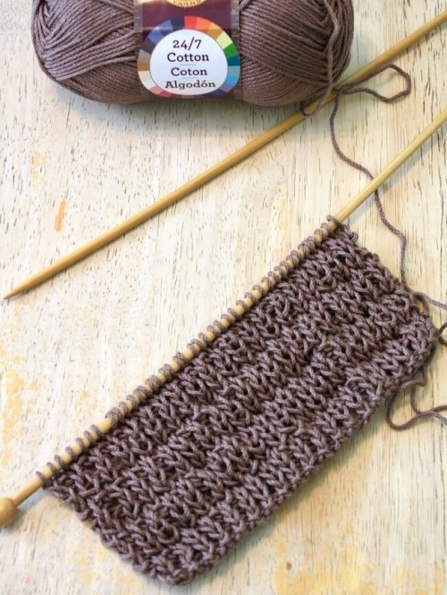 Super Easy Knitted Dishcloth - Free Pattern