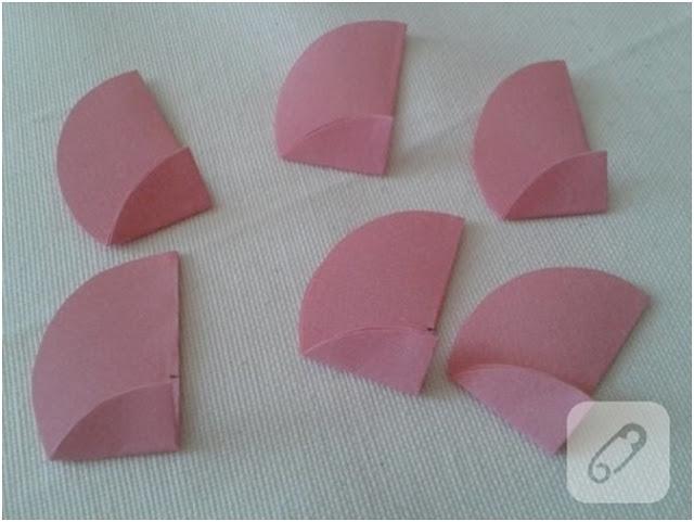 kolay şekilde kağıttan çiçek yapımı