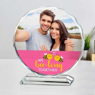 Kado Valentine Bingkai Foto Kristal atau Kaca