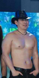Richard Yap aka Papa Chen shirtless photo