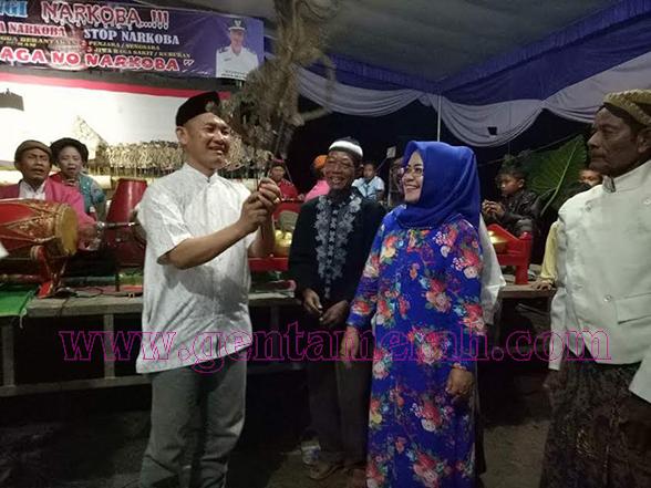 Bersyukur Kembali Dipimpin Khamami, Warga Tirtalaga Gelar Wayangan