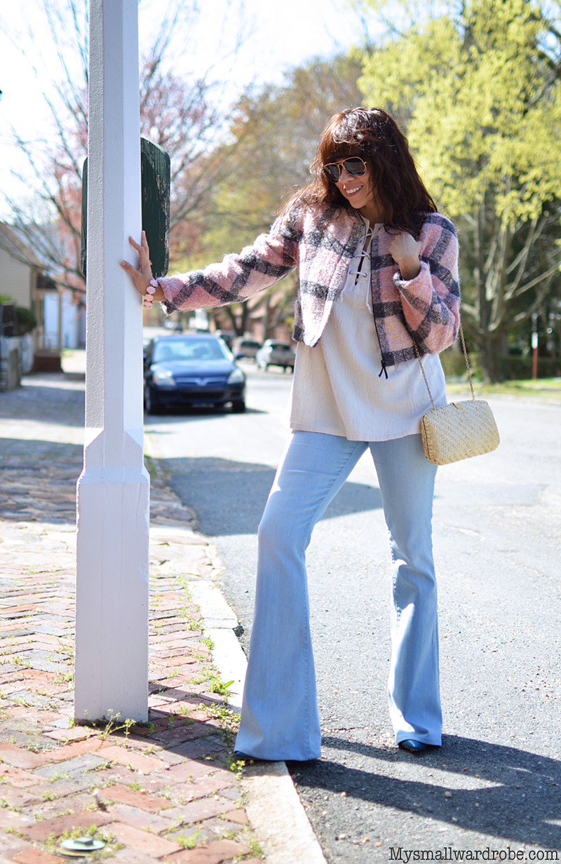 Flare jeans street style look