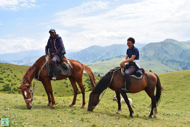 Seminómadas en Kirguistán