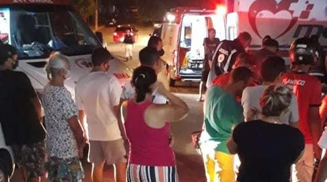 Atropelamento na noite desta sexta (07) deixa mulher gravemente ferida em Patos