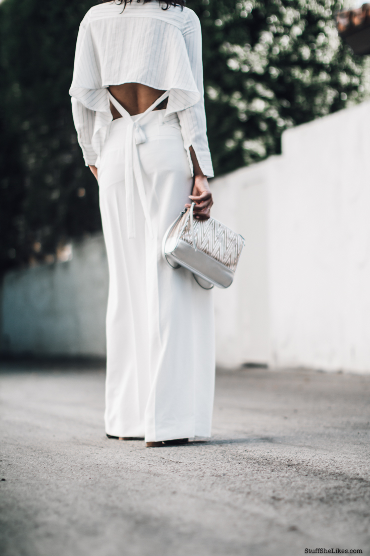 fashion Blogger, fashion blog, Vince pants, White pants, curly hair