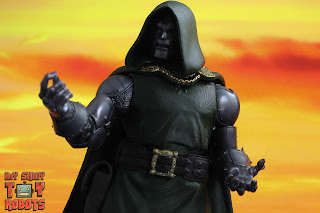Marvel Legends Doctor Doom 15