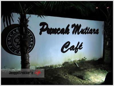 Hidangan Special di Puncak Mutiara Cafe