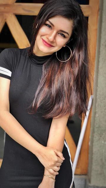 Avneet Kaur Images 14