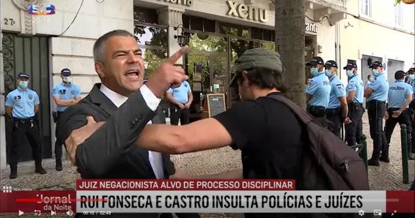 Δικαστής για αστυνομικούς: «Ντροπή σας να κτυπάτε τον κόσμο για τον κορωνοίό και τις μάσκες»! (βίντεο)