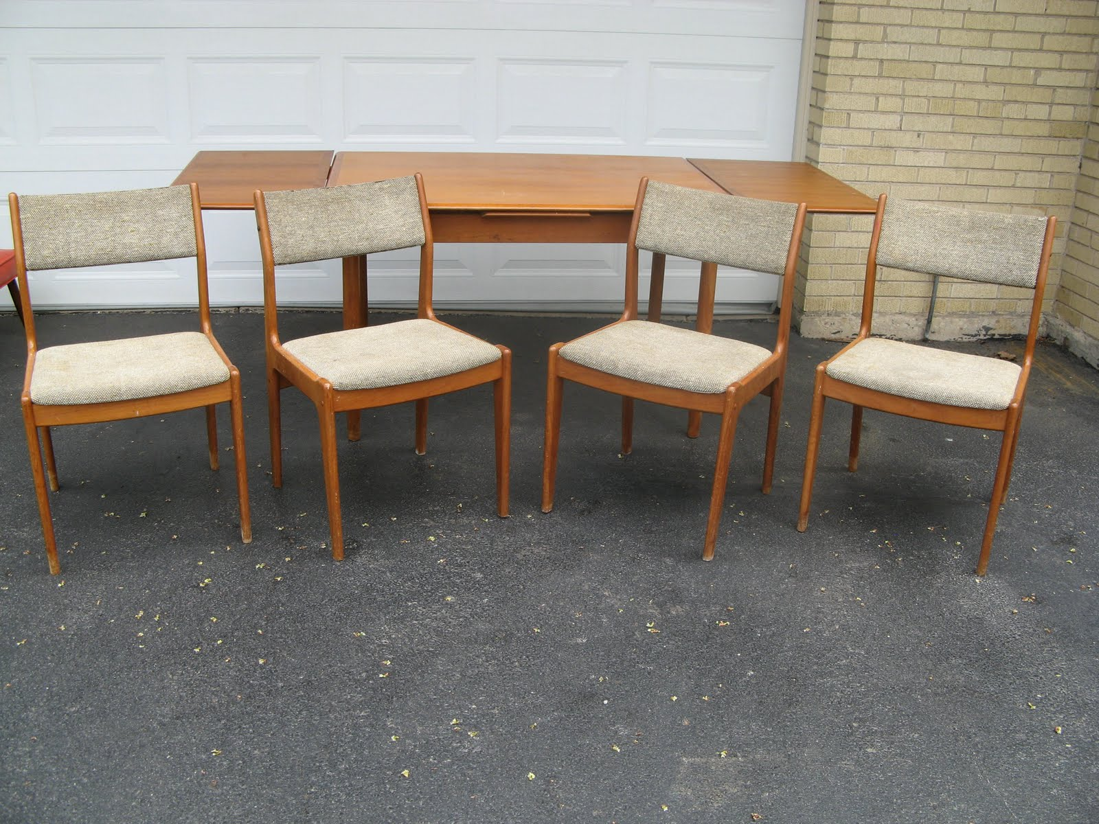 4 Danish Modern Teak Chairs Come With The Table Above All Need To Be Refinished And They New Upholstery Again Is Easy Refinish