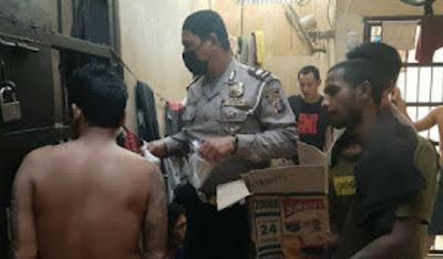 Polsek Percut Sei Tuan Adakan Buka Puasa Bersama Para Tahanan, Indahnya Berbagi Dibulan Ramadhan