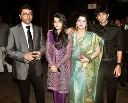Raj Thackeray Family Wife Son Daughter Father Mother Age Height Biography Profile Wedding Photos