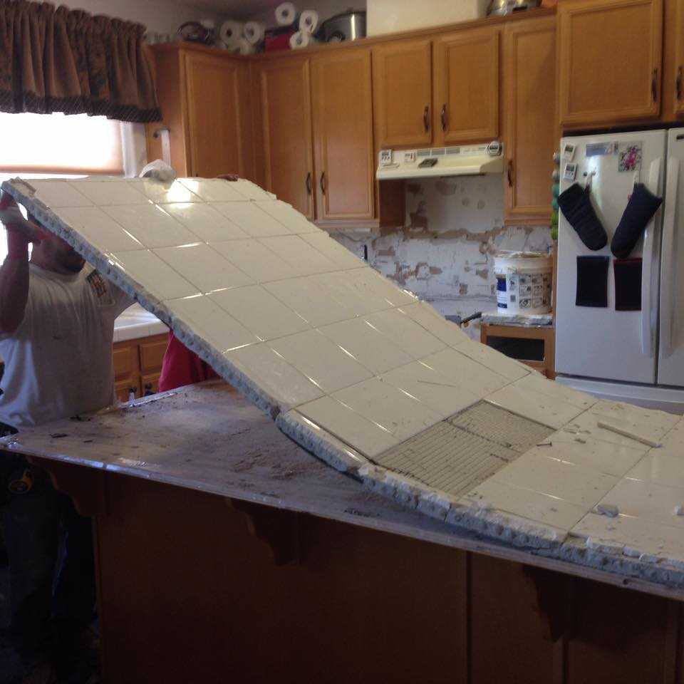 Messy Kitchen Counter: Southwest Granite Rocks!: Don't Let A Messy Contractor Cut