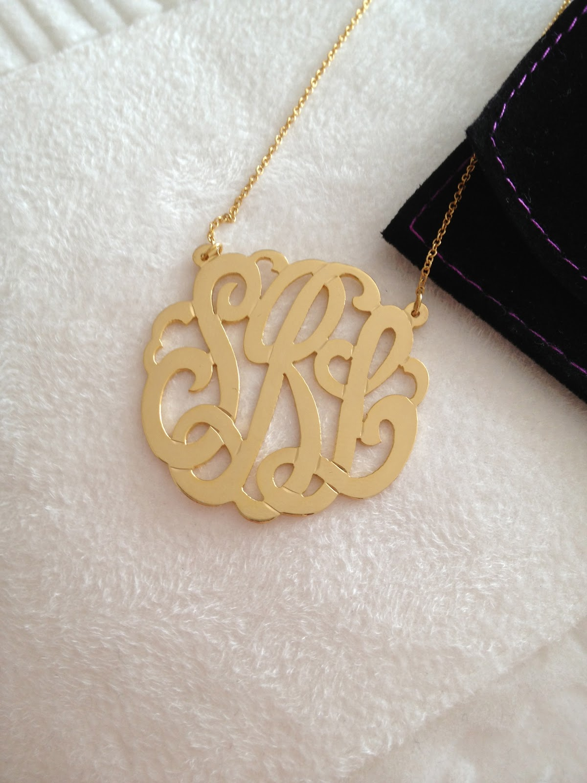 Five Minute Style: Bauble Bar Monogram Necklace Review