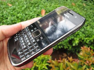 Nokia E6 Seken Eks Garansi Nokia