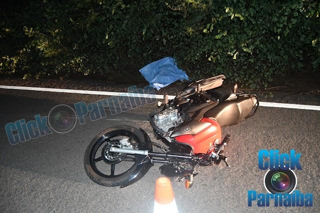 Jovem morre após moto colidir com vacas na BR-402 em Parnaíba