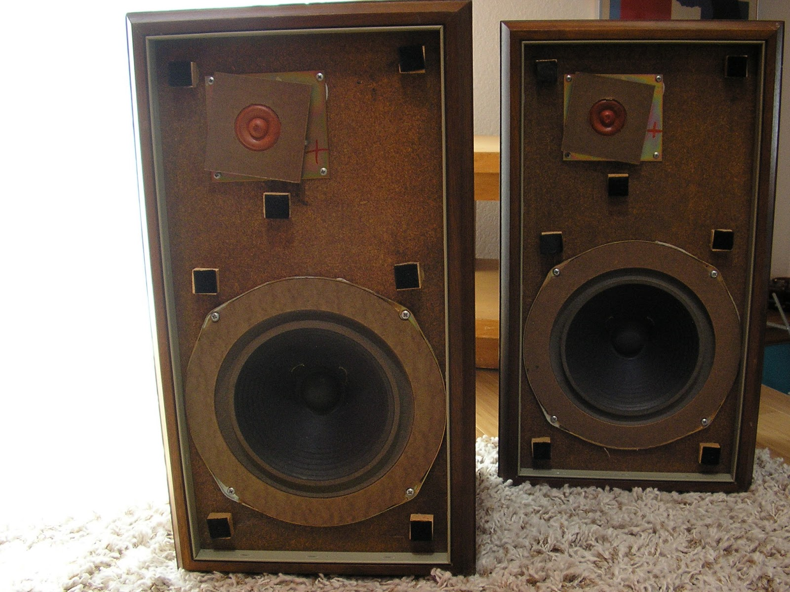 pair of original the advent loudspeaker two way speakers. Black Bedroom Furniture Sets. Home Design Ideas