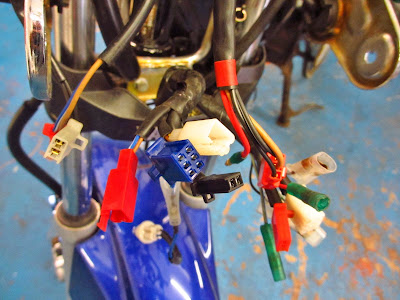 Yamaha YBR 125 electrical system , wiring diagrams and components