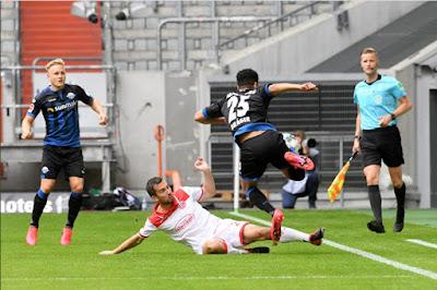 Video Dusseldorf 0-0 Paderborn: Quá tiếc vì chiếc xà ngang