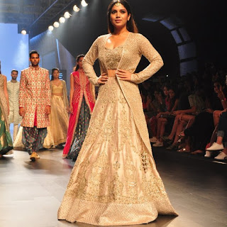 Bhumi Pednekar Looks Gorgeous As She Walks The Ramp At The Lakme Fashion Week 2016