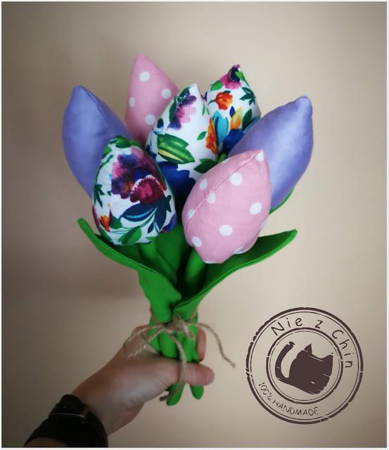 Kolorowe tulipany na zakończenie roku szkolnego