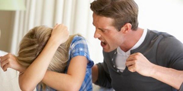 séparé qui soufre plus La femme ou l'homme?