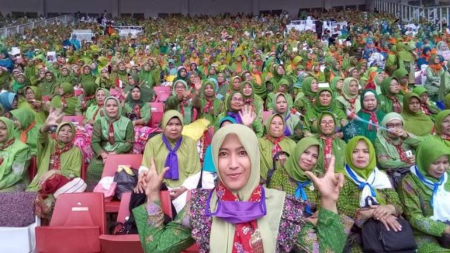 Survei LSI Denny JA: Pemilih Muslim Mulai Jauhi Jokowi-Ma'ruf