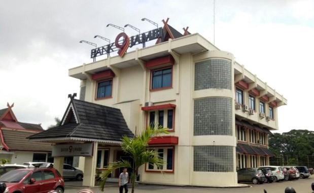 Bank Jambi Cabang Bulian Diduga Teledor, Imbasnya Guru Honor Terancam Tak Gajian