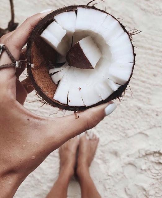 minyak kelapa untuk memanjangkan rambut