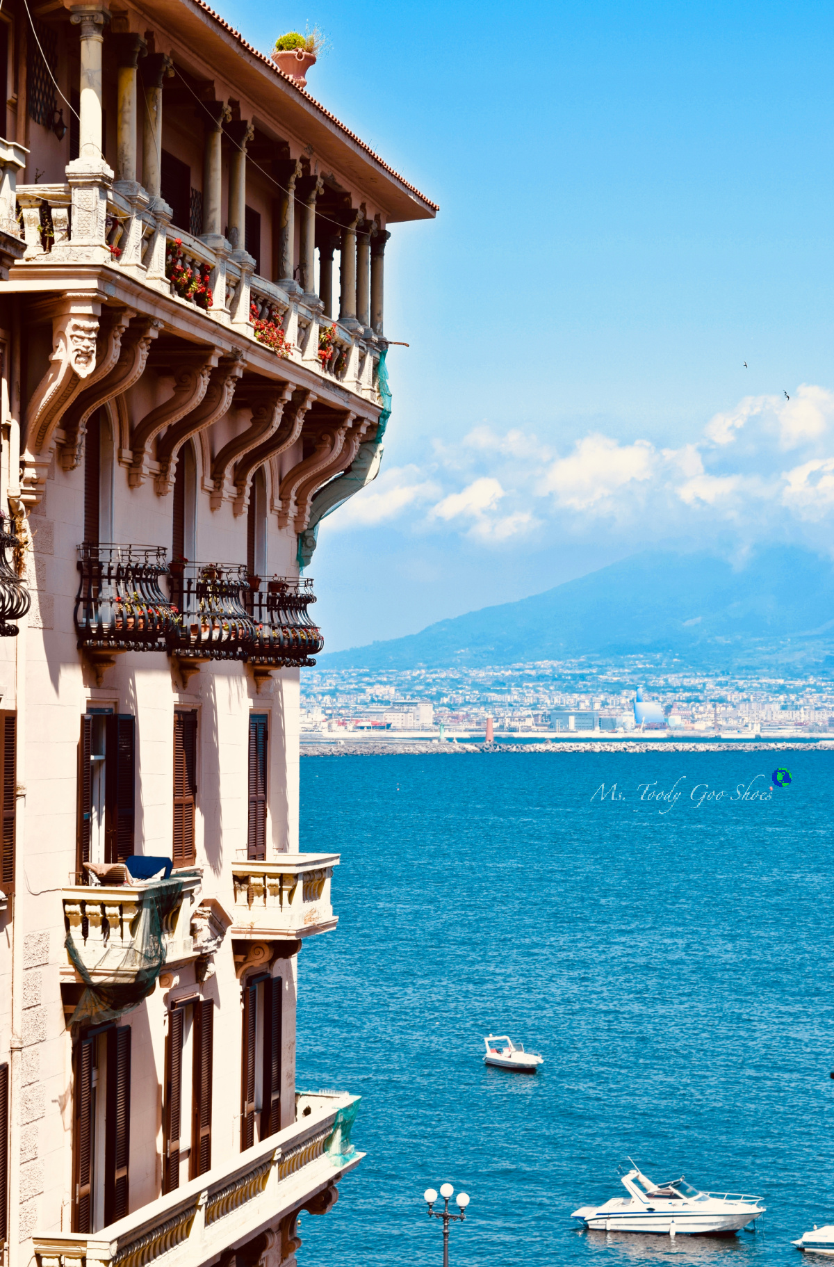 Bay View Living in Naples Italy |  Ms. Toody Goo Shoes