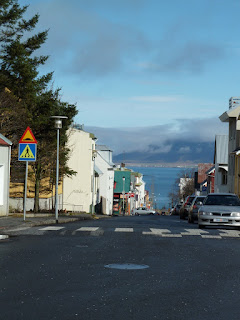 Reykjavík street with Mount Esja in the background. Photo by Michael Ridpath, author of the Magnus series of crime novels.