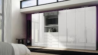 Kombinasi lemari dengan rak TV