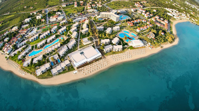 Relishing its exclusive location on the Gulf of Toroneos in beautiful Halkidiki, Greece, Ikos Olivia reinvents All Inclusive.