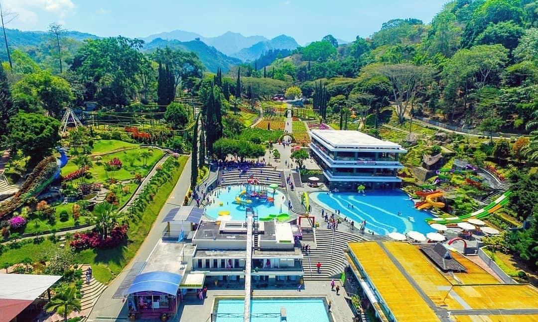 Taman Bunga Selecta Batu Malang