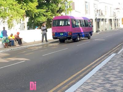 Ônibus em Nassau
