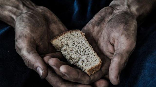 Satu Keluarga Ditemukan Lemas dan Lapar di Kebun: Sang Ayah Kehilanghan Kerja Karena Pandemi