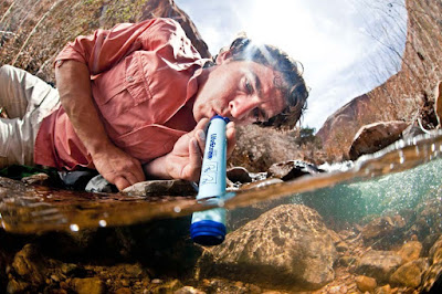 The LifeStraw - 25 Christmas Gifts Under $25 for Hippie Bohemian Men {Gift Guide for Hippies/Bohemians}