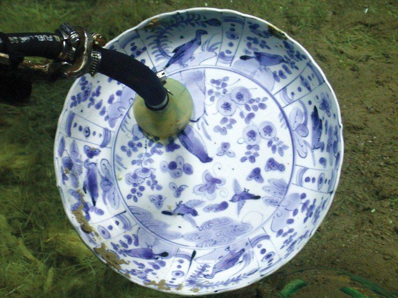 Hallan barco mercante otomano de 1630 con fantástica colección de porcelanas chinas intactas