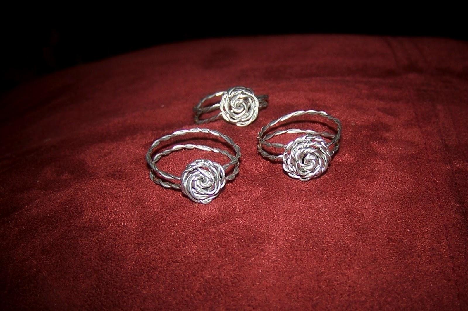 BUG A BOO CORNER: DIY Rose Wire Rings