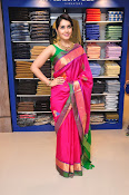 Raashi Khanna new glamorous photos-thumbnail-3
