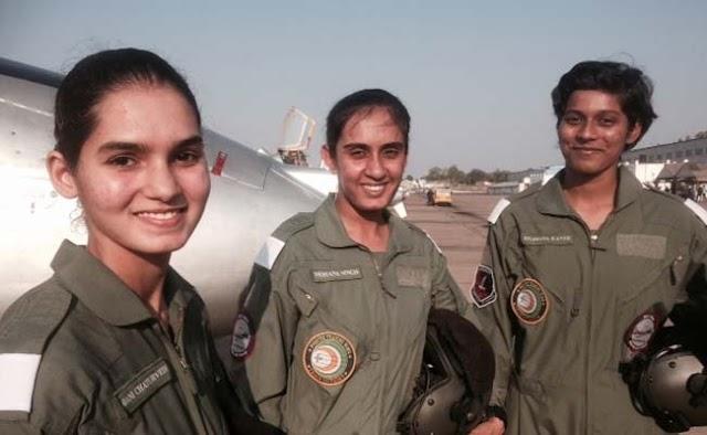 ऐतिहासिक दिन! भारतीय वायुसेना में पहली बार शामिल हुईं 3 महिला फाइटर पायलट