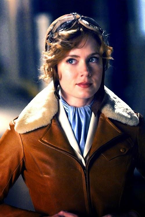 Amelie Eahart (Amy Adams) Uma noite no museu 2