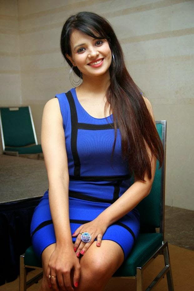 Spicy Telugu Actress Saloni Hot Stills  Mallu Actress