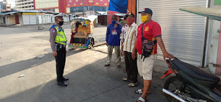 Satlantas Polres Pelabuhan Berikan Edukasi Protokol Kesehatan Kepada Pengguna Jalan