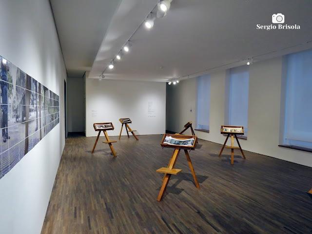 Fotocomposição com Obras da Exposição Maquinaria - Papiros - Centro Universitário Maria Antonia - São Paulo