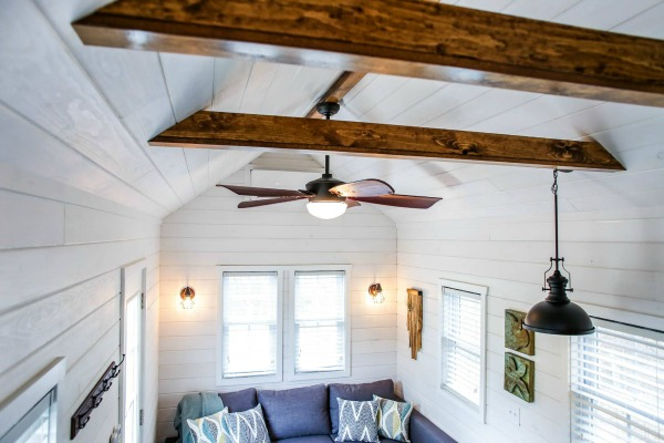 Tiny House rustic beams