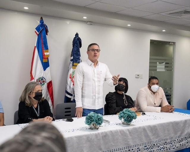 UN GRAN CONTRASTE: Jean Luis Rodríguez aumentará salarios en departamento de Autoridad Portuaria