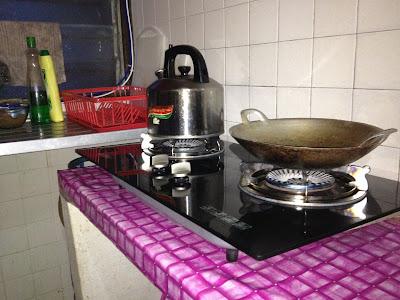 Dapur Gas Dan Dinding Tu Wajib Dilap Setiap Kali Lepas Masak Tak Nak Ada Minyak Yang Terpercik