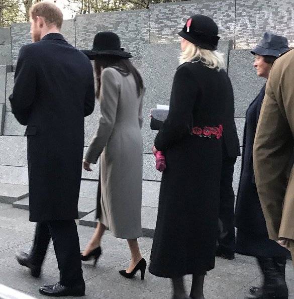 Meghan Markle wore Matthew Williamson bespoke long coat., wore Sarah Flint Jay Pumps, Meghan is carried Gucci Dionysus Velvet Mini Bag